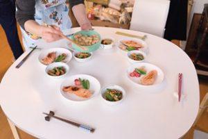 食事準備中の写真